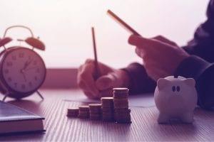 Investir na poupança, vale a pena? Veja 8 motivos