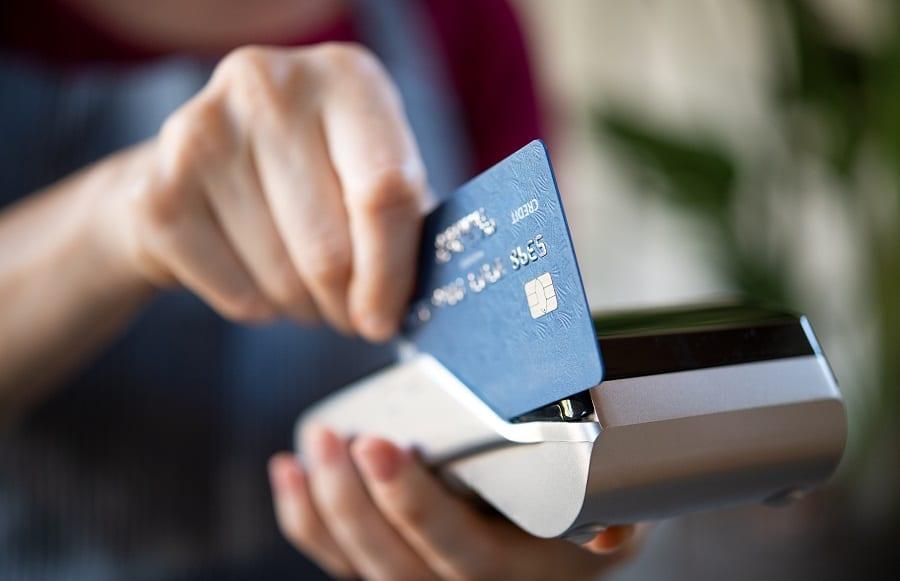 Crédito ou débito: qual a melhor opção?
