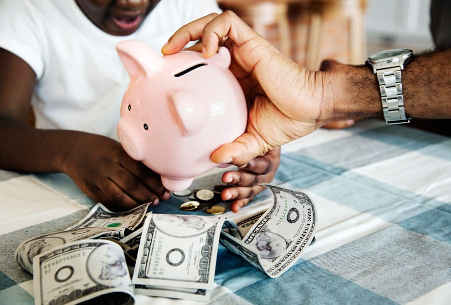 Como juntar dinheiro? Conheça simples atitudes que te ajudam a poupar